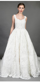 Aden sleeveless Lace Gown with Veil