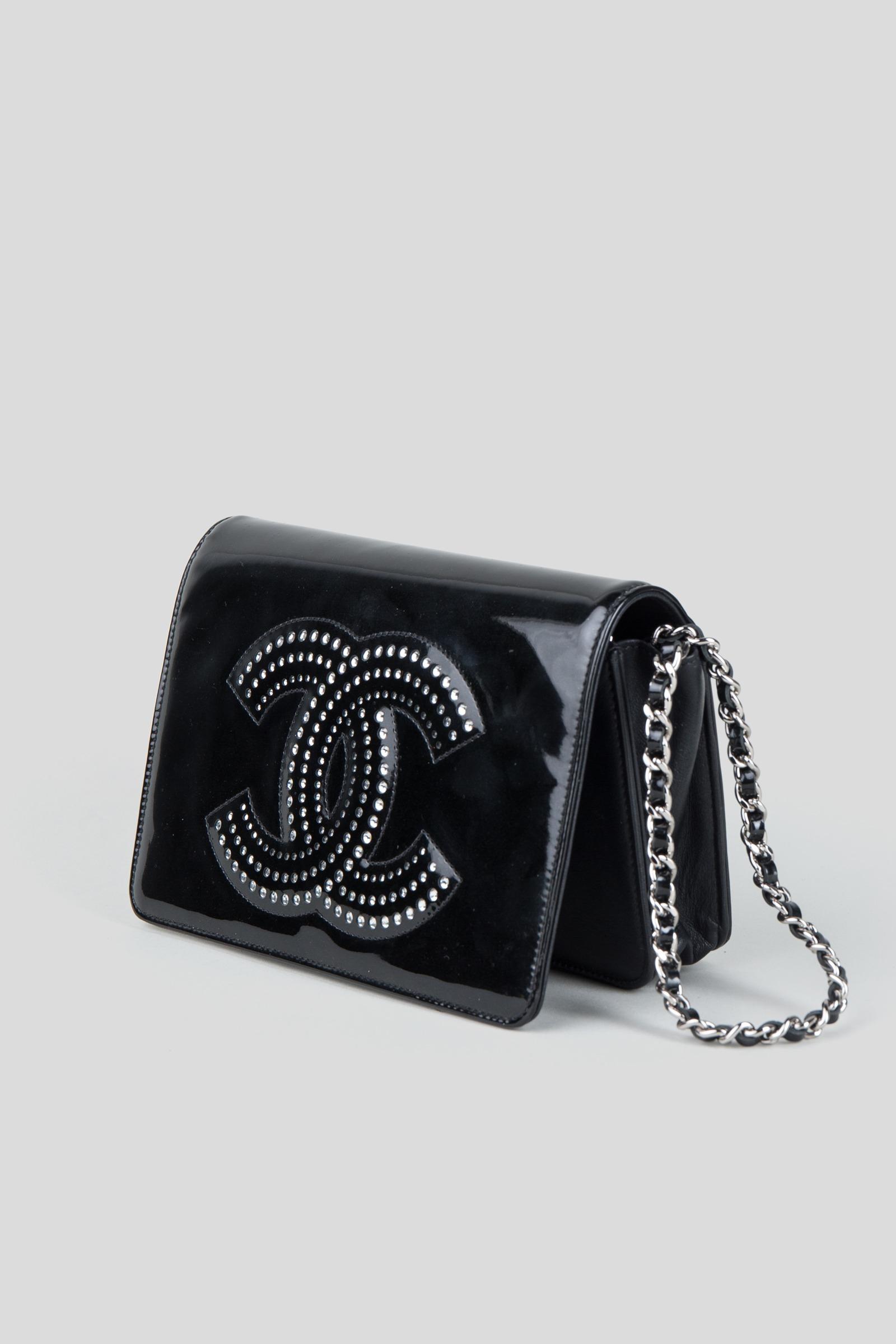 f2d8b83b14f705 Rent CHANEL Patent Leather Embellished Clutch in Dubai - Designer 24