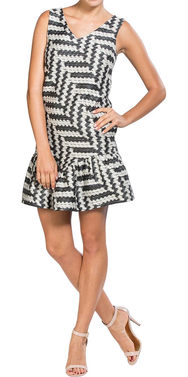 d2043f79fb05 https://www.designer-24.com/print-ruffled-hem-zig-zag-shift-dress-by ...