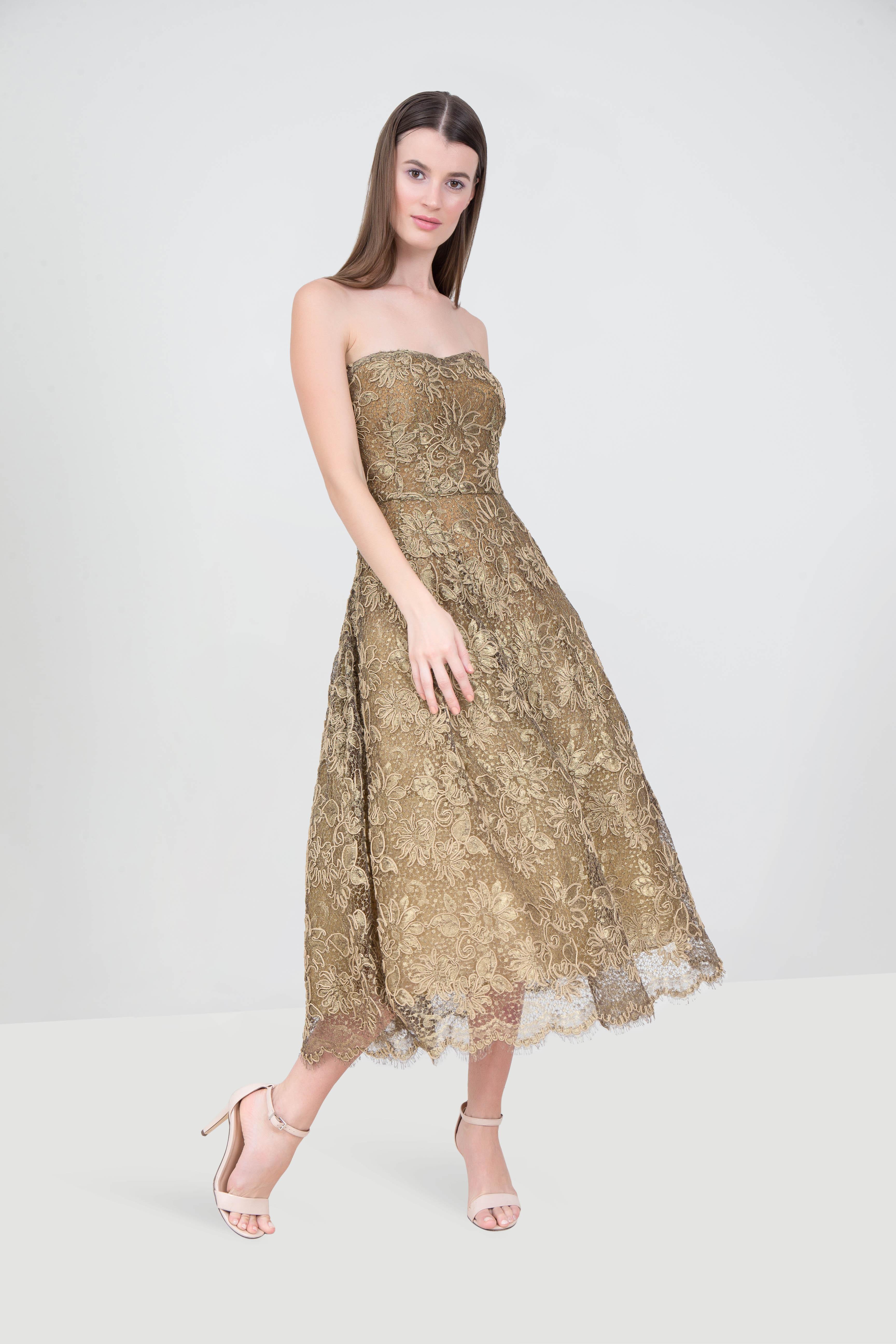 Rent Oscar De La Renta Strapless Lace Gown In Dubai