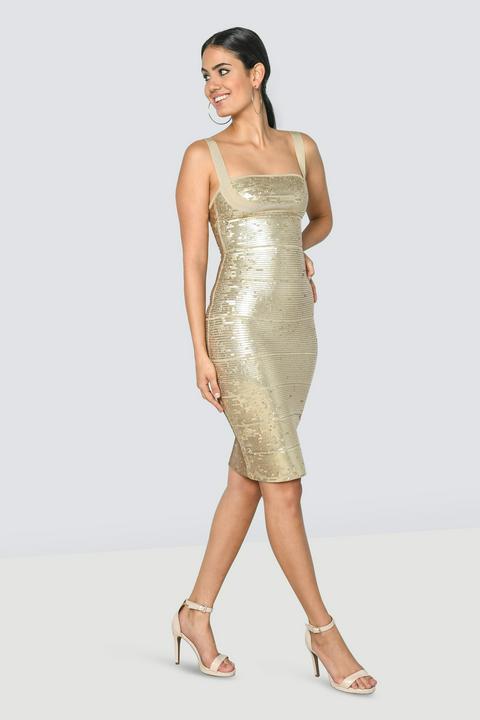 55bd7d71 Rent dresses by Top Designers in Dubai - Designer-24